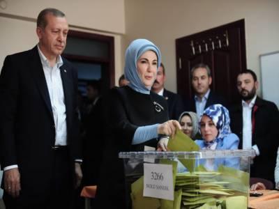 ترکی میں پارلیمانی انتخابات کے لیے پولنگ جاری, طیب اردگان کی جیت کا امکان