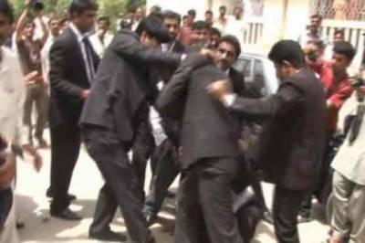 لاہور ہائی کورٹ میں وکلا گردی کا ایک اور واقعہ پیش آیا ہے