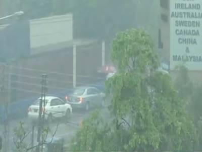 پنجاب، خیبرپی کے اور سندھ کے مختلف شہروں میں موسلا دھار بارش سے موسم خوشگوارہوگیا