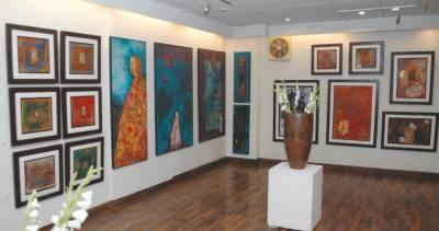 لاہورکی نیئرنگ آرٹ گیلری میں نامور مصوروں کے فن پاروں کی نمائش