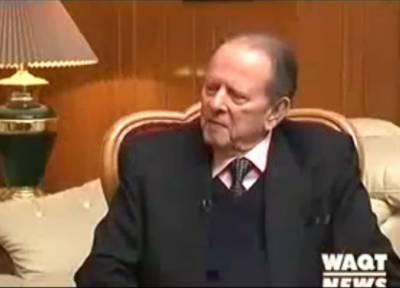 معروف قانون دان بیرسٹر عبدالحفیظ پیر زادہ طویل علالت کے بعد پچھتر برس کی عمر میں لندن میں انتقال کرگئے