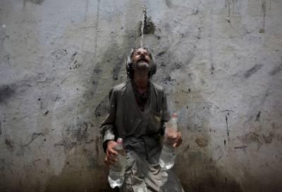 کراچی میں آج تیسرے روز بھی گرمی کی شدت کم نہ ہو سکی۔ شہر میں درجہ حرارت 31ڈگری سینٹی گریڈ۔