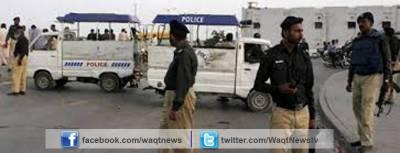 پشاور میں صدر سرکل پولیس نے سرچ آپریشن کے دوران ایک اشتہاری سمیت 40 سے زائد مشتبہ افراد کو گرفتار کرلیا ہے