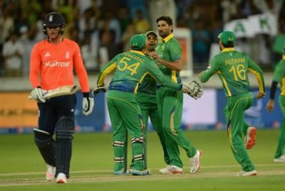 انگلینڈ کا پہلے ٹی 20 میں پاکستان کو جیت کے لیے 161رنز کا ہدف
