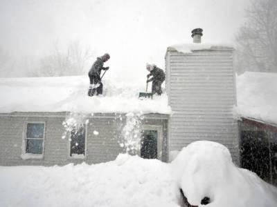 امریکی ریاست ساؤتھ ڈی کوٹا اور نبراسکا میں برفانی طوفون , لوگ گھروں میں محصور ہوکر رہ گئے