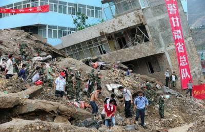 چین کے شہر شینزن میں تباہ کن لینڈ سلائینڈنگ تینتیس سے زائد عمارتوں کو نگل گئ