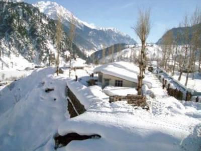 شمالی علاقوں میں جاری برفباری ,جنت نظیر وادیوں سوات، مالا کنڈ اور غذر کا حسن مزید نکھار دیا