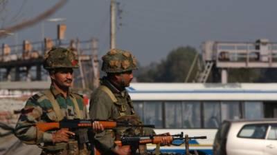 بھارتی سکیورٹی فورسز کی اہلیت کا بھانڈا پھوٹ گیا۔ پٹھان کوٹ ائیربیس تیسرے روز بھی دھماکوں اور فائرنگ سے گونجتی رہی