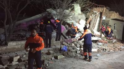 ترکی کے علاقے دیار باقر میں کار بم دھماکے کے نتیجے میں پانچ افراد ہلاک اور انتالیس زخمی ہو گئے