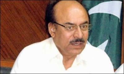 سندھ کے سینئر وزیر نثارکھوڑونے سندھ اسمبلی میں ہی سگریٹ سلگا لیا، سینئروزیر دیگر ساتھیوں کے ساتھ کھڑے قوانین کو دھوئیں میں اڑاتے رہے