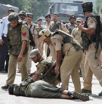 مقبوضہ کشمیر میں بھارتی فوجیوں کی ریاستی دہشت گردی کی تازہ ظالمانہ کارروائی, پلوامہ میں نہتے تین کشمیری نوجوانوں کو شہید کر دیا