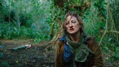 بہادر خاتون فوٹو جرنلسٹ کے گِرد گھومتی نئی تھرل ایکشن ہالی ووڈ فلم ''کامینو'' کا پہلا ٹریلر جاری