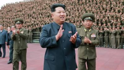 شمالی کوریا کے سرکاری ٹیلی ویژن پر کم جونگ کی نئی تصاویر جا ری , کم جونگ اپنی فوج کی مختلف مشقوں کا معائنہ کرتے نظر آ ر ہے