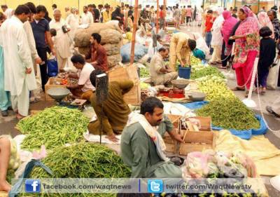 رمضان بازار میں سستی اشیاء خوردونوش خریدنے والوں کا ہجوم