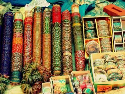 عید کی شاپنگ کے حوالے سے لاہور کا قدیم بازار انار کلی خاص اہمیت کا حامل ہے