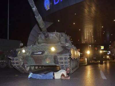 ترکی: باغی فوجی گروپ کی حکومت کا تختہ الٹانےکی کوشش ناکام،60 افراد جاں بحق