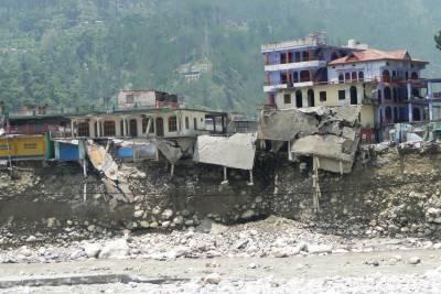 بھارت کی مشرقی ساحلی ریاست اڑیسہ میں بجلی گرنے سے گذشتہ چوبیس گھنٹوں میں 37افراد ہلاک جبکہ چھتیس زخمی ہو گئے
