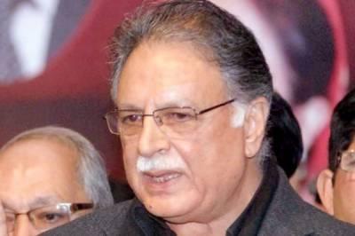 عمران خان نے الیکشن میں شکست پر پاکستان کے عوام سے انتقام لینا شروع کردیا ہے : وزیر اطلاعات پرویز رشید