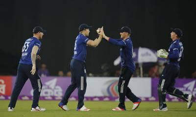 انگلینڈ نے پہلے ون ڈے میں میزبان بنگلہ دیش کو دلچسپ مقابلے کے بعد اکیس رنز سے شکست دے دی