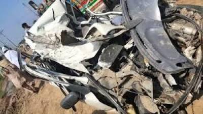 سرگودھا میں ڈمپر کی موٹر سائیکل اور رکشہ کو ٹکر سے 4 افراد جاں بحق جبکہ تین زخمی ہوگئے