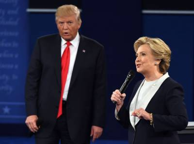 خواتین،تارکین وطن، پناہ گزینوں اور امریکی قوم کی تضحیک کرنے والا شخص صدر بننے کا اہل نہیں۔ ہلیری کلنٹن