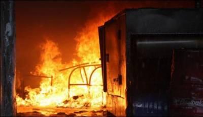 ملتان میں ایل پی جی فلنگ کی دوکان میں گیس کی لیکج , اچانک آگ بھڑک اٹھی