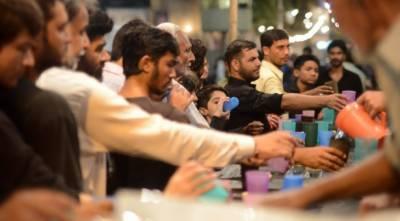 محرم الحرام میں لاہور شہر میں ہزاروں مقامات پر پانی اور شربت کی سبیلیں
