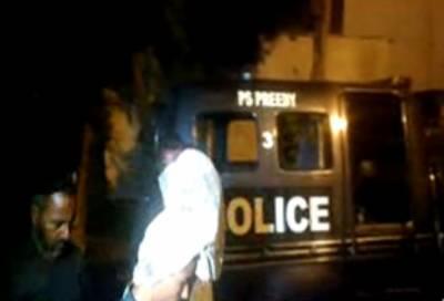 کراچی: لیاری اور صدر میں رینجرز اورپولیس کے ساتھ مقابلہ،1 ملزم ہلاک ،4 گرفتار۔