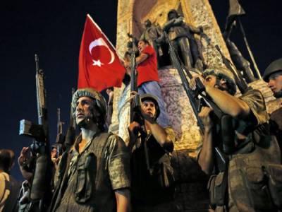 ترکی میں ناکام بغاوت کےبعد سرکاری اہلکاروں کے خلاف کریک ڈاون جاری،109فوجی ججزکوعہدوں سے برطرف کردیا۔