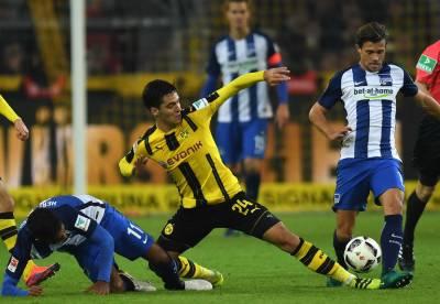 جرمن فٹبال لیگ میں دلچسپ مقابلوں کا سلسلہ جاری، ہرتھا برلن اور بروشیا ڈورٹمنڈ کا میچ ایک ایک گول سے برابر ہوگیا۔