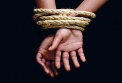 کراچی میں ملیر سعود آباد سے مبینہ طور پر اغوا ہونے والی تین طالبات کا تاحال کوئی سراغ نہیں مل سکا