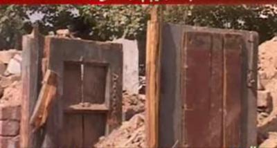 کے پی حکومت نے وزیراعظم نوازشریف سے زلزلے سے متاثرہ سکولوں کے لیے مختص چار ارب روپے مانگ لیے