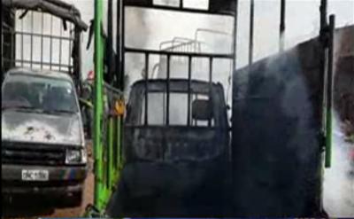 شیخوپورہ میں فرنیچر کے گودام میں آتشزدگی کے باعث لاکھوں روپے مالیت کا فرنیچر جل کر خاکستر ہوگیا