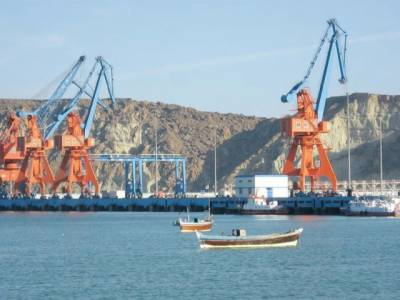 سی پیک منصوبے کا اہم مرحلہ تکمیل کے قریب پہنچ گیا، چین نے اپنا پہلا بحری جہاز لنگرانداز کر کے گوادر کی بندرگاہ کا افتتاح کردیا