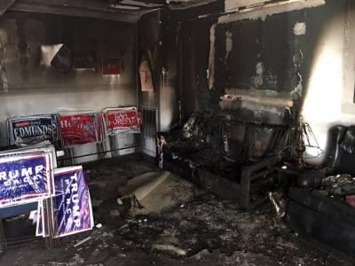امریکی ریاست شمالی کیرولینا میں شرپسندوں کی جانب سے ری پبلکن پارٹی کے مرکزی دفتر پرپٹرول بم حملہ۔