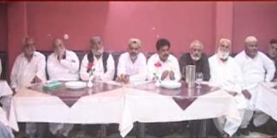 خیرپور میں تاجر برادری نے درپیش مسائل اور سندھ حکومت کی جانب سے مارکیٹیں شام سات بجے بند کرنے کے اعلان کے خلاف ہنگامی اجلاس منعقد کیا۔