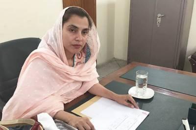 گھریلو مسائل یا کوئی اور معاملہ، پنجاب فوڈ اتھارٹی کی ڈائریکٹر آپریشنز عائشہ ممتاز نے اچانک ایک سو چار روز کی چھٹی پر جانے کا فیصلہ کر لیا