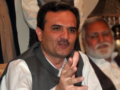 عمران خان نواز شریف کا لحاظ نہیں کرتے لیکن وزیراعظم کے عہدے کی عزت کا خیال کریں، کھبی نہیں سنا تھا کہ وزیراعظم بھی تلاشی دیتا ہے :امیرحیدرہوتی