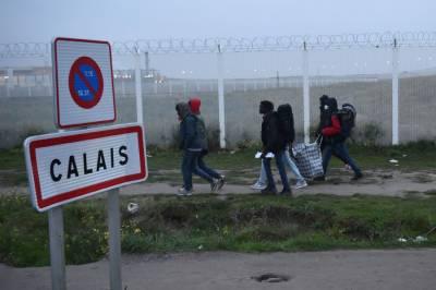 فرانس:1200سے زیادہ پولیس حکام نے پناہ گزینوں کے کیمپ''جنگل''کو خالی کرانے کا آپریشن شروع کر دیا
