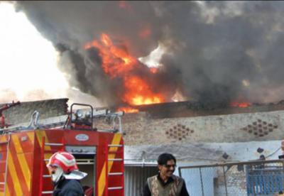 لاہور کے علاقے راوی روڈ میں گارمنٹس کی فیکٹری میں آتشزدگی کے باعث 3 مزدور جھلس کر جاں بحق ہو گئے
