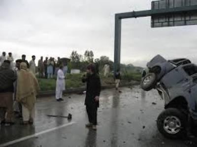 اسلام آباد میں موٹر وے پر رینجرز کی گاڑی کو حادثے میں 3جوان جاں بحق جبکہ 9 زخمی ہوگئے