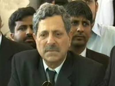 پانامہ کا ہنگامہ: وکیل حامد خان کا کیس کی مزید پیروی سے انکار،عمران خان کو آگاہ کردیا۔