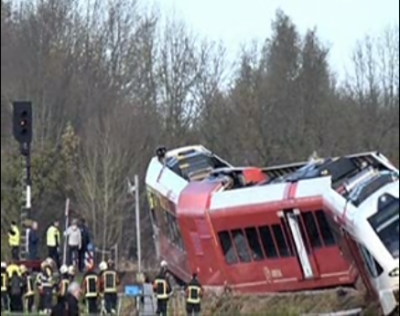 ہالینڈ کے شمال مشرقی حصے میں ٹرین اور ٹرک کے درمیان تصادم کے نتیجے میں متعدد افراد زخمی ہوگئے