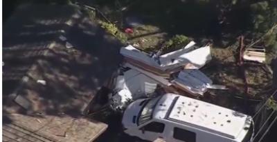 امریکی ریاست کیلی فورنیا میں چھوٹا طیارہ گھر کے قریب گر گیا جس کے نتیجےمیں 1 شخص ہلاک اور 3 زخمی