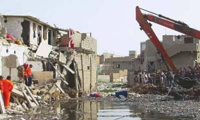 کراچی کا گجر نالہ معصوم بچوں کے لیے موت کا کنواں بن گیا، نالے میں ڈوبنے والے بچےکا سراغ نہیں مل سکا