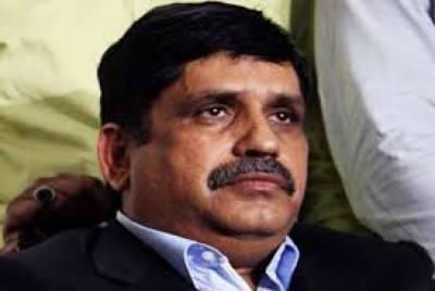 حیدرآباد کی عدالت نے پاک سرزمین پارٹی کے مرکزی صدر انیس قائمخانی پر جلاو گھیراؤ کے مقدمے میں فرد جرم عائد کردی