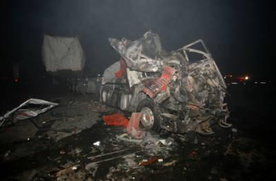 بغداد کے نواحی شہر حِلّہ زائرین کی بسوں کے قریب ہونے والے خودکش ٹرک بم دھماکے نے100 افراد کی جانیں لے لیں۔