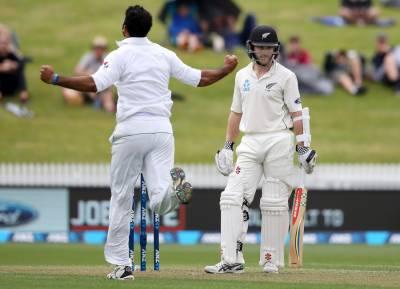ہمیلٹن: پاکستان اور نیوزی لینڈ کے درمیان دوسرا ٹیسٹ میچ بارش کے باعث روک دیاگیا، نیوزی لینڈ نے2وکٹوں پر77 رنز بنا لئے۔