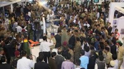 کراچی میں 9 دفاعی نمائش کے آخری روز شہریوں کی بڑی تعداد نے ایکسپو سینٹرکا رخ کرلیا