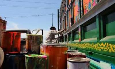ملک بھر سے ٹرک مالکان ڈیرہ غازی خان کا رخ کرتے ہیں۔ جہاں ماہر کاریگروں سے سجاوٹ کرا کر انہیں دلہن کی طرح سجاتے ہیں